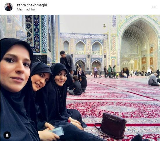 خانم مجری در حیاط مسجد گوهرشاد + عکس