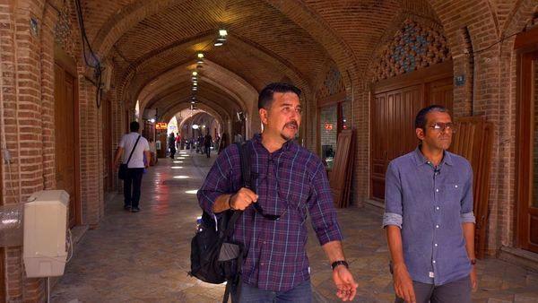 امیرحسین صدیق در خیابان های قدیمی + عکس