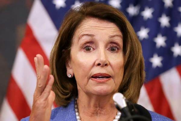 واکنش نانسی پلوسی به نشست ترامپ با «اون»