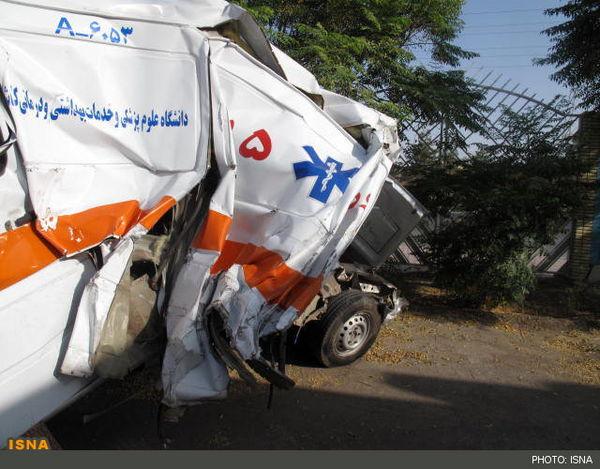 کامیون، آمبولانس اورژانس را له کرد