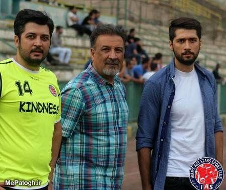 عبدالرضا اکبری و پسرهایش در استادیوم+عکس