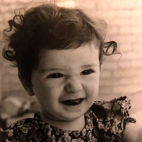 عکس کودکی بامزه خواهر نقی