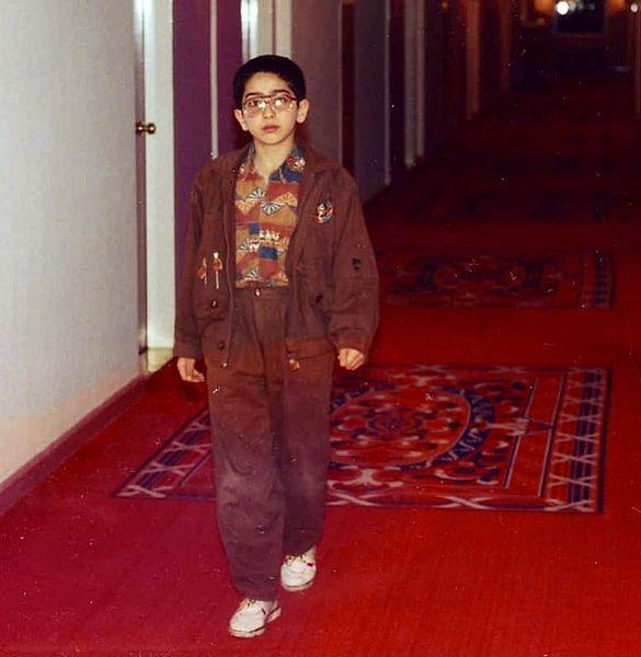 کودکی بازیگر دل روی فرش قرمز + عکس