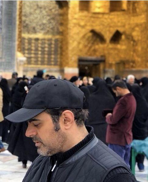 زیارت رضا مولایی در مشهد + عکس
