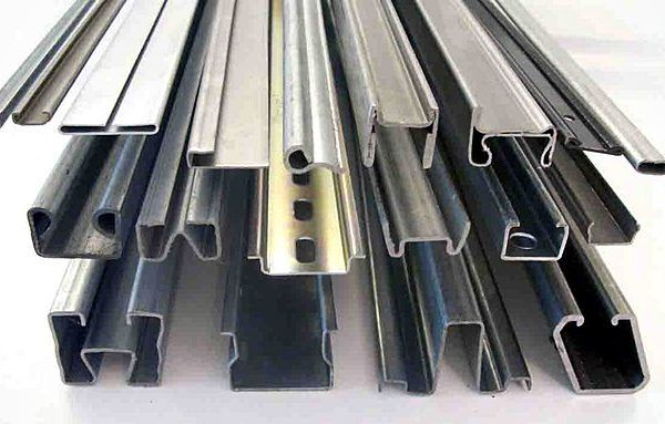 قیمت ورق سیاه در بازار فولاد کاهش یافت