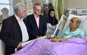 عیادات رئیس دانشگاه علوم پزشکی شیراز ازسید «ضیاءالدین دری» و «یدالله صمدی»