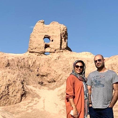 خانم بازیگر زیبا و همسرش در سفر+عکس