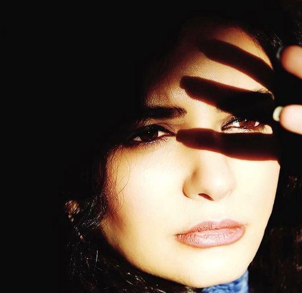 صورت مهتاب دیده لیندا کیانی + عکس