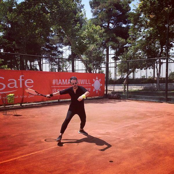 تنیس بازی کردن بازیگر مشهور + عکس