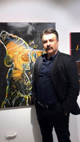 مجید سعیدی در یک گالری نقاشی + عکس