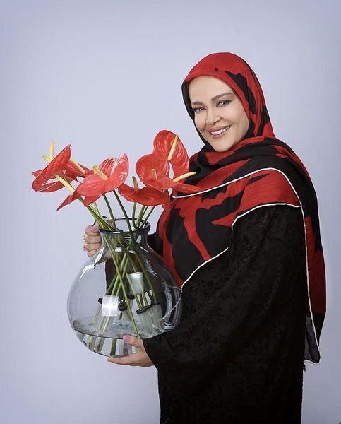 گلدان گل زیبای بهاره رهنما + عکس