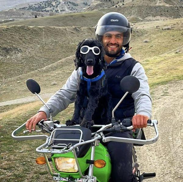 موتورسواری امیر جدیدی با سگش + عکس