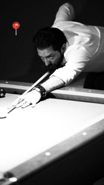 بیلیارد بازی کردن بهرام رادان + عکس