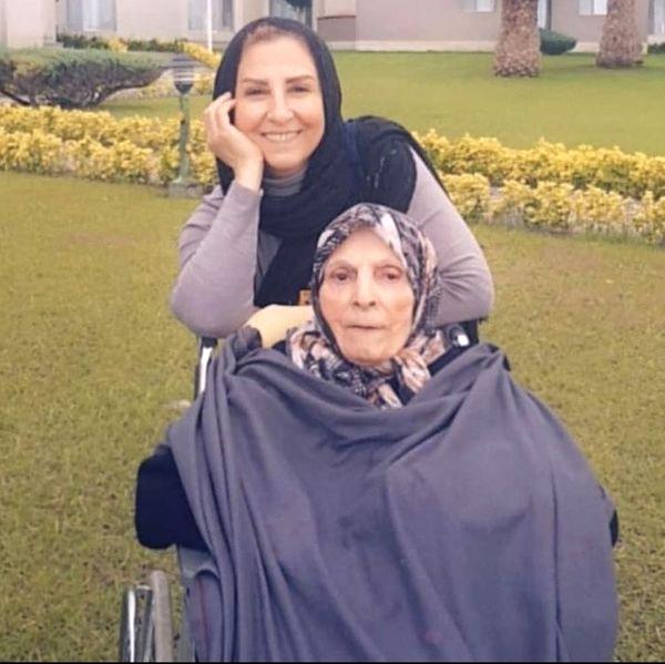 مرجانه گلچین و مادرش + عکس