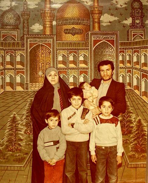 کودکی عباس غزالی در کنار خانواده اش + عکس