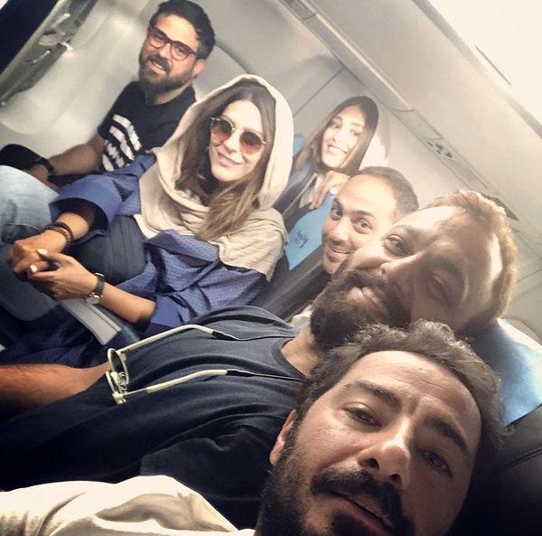 سلفی نوید محمد زاده در هواپیما /عکس