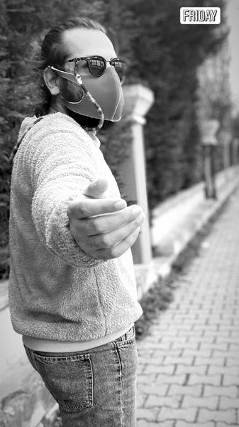 پیاده روی عباس غزالی در هوای زمستانی + عکس