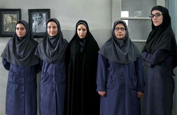 ظاهر متفاوت ویشکا آسایش در مدرسه دخترانه + عکس
