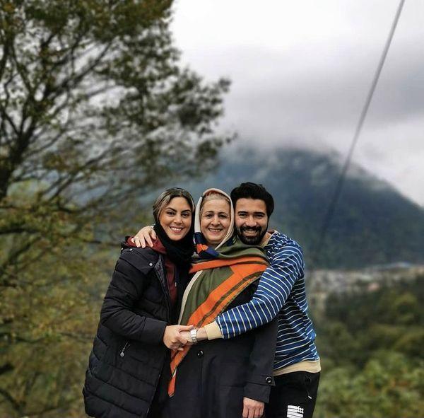 خانم بازیگر در کنار مادر و همسرش + عکس