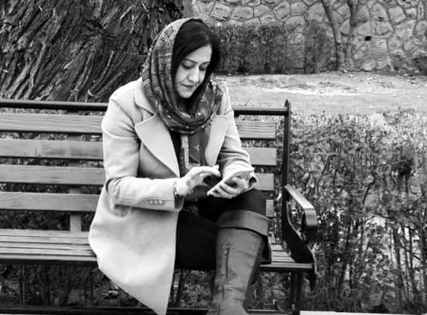 خانم بازیگر مشهور در پارک + عکس