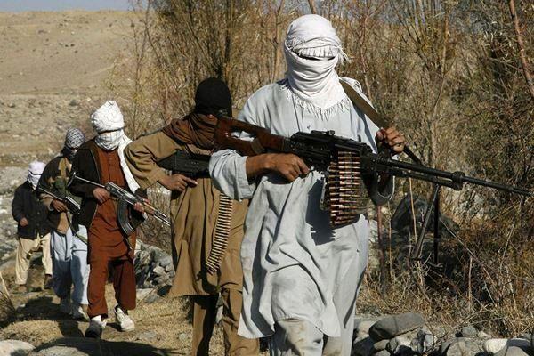 طالبان ۳۶ غیرنظامی را در ولایت «دایکندی» افغانستان گروگان گرفت