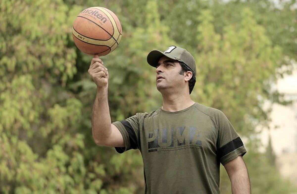 بسکتبال بازی کردن منوچهر هادی + عکس