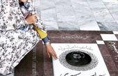 لاله اسکندری با چادر بر سر مزار سهراب سپهری + عکس
