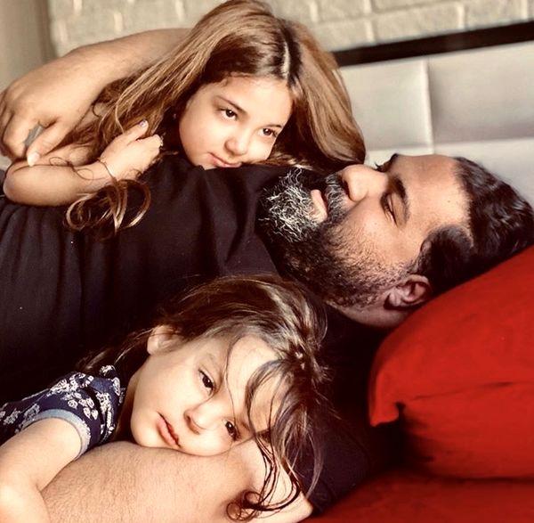 حال خوب رضا صادقی با دخترانش + عکس