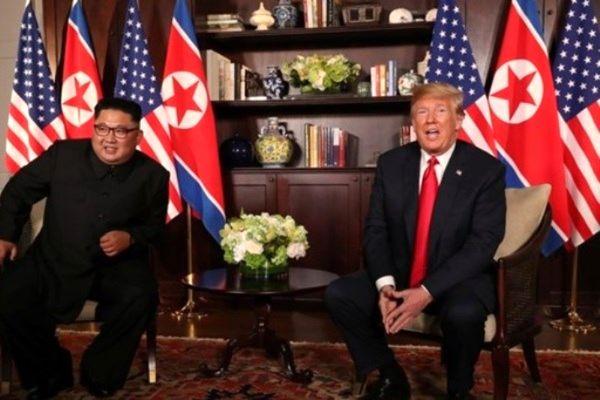 زبان بدن ترامپ و کیم گویای نگرانی آنها بود
