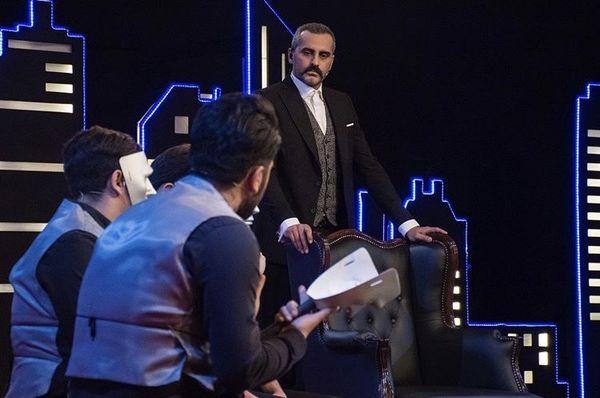 علیرام نورایی در یک مسابقه تلویزیونی + عکس