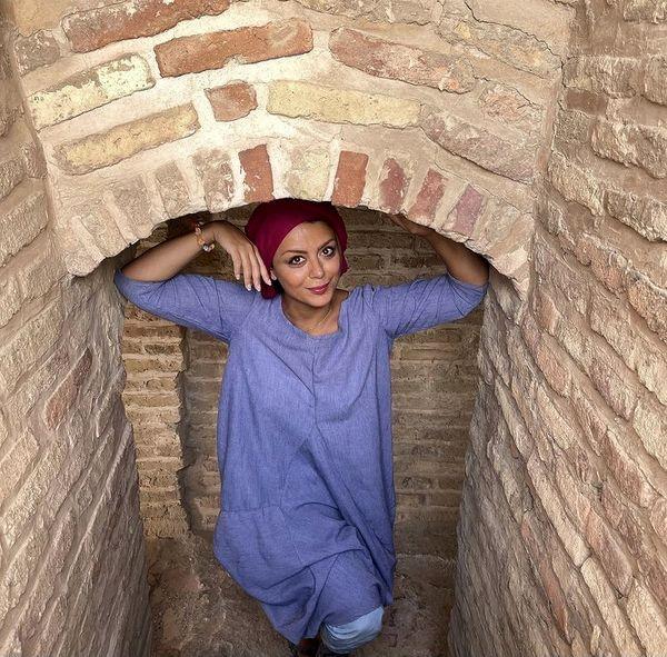 شبنم فرشادجو در یک زیرزمین قدیمی + عکس