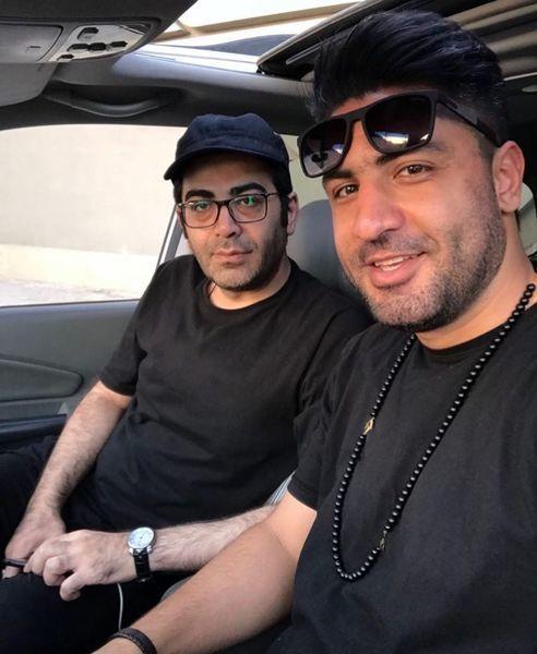 فرزاد حسنی و دوستش در ماشین + عکس