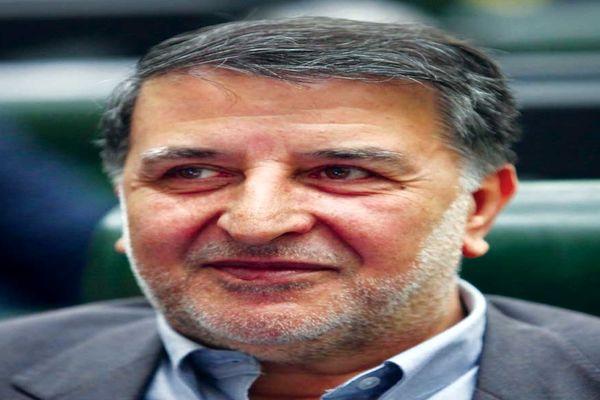 اینستاگرام::  دست بوسی نماینده مجلس از رئیس جمهور