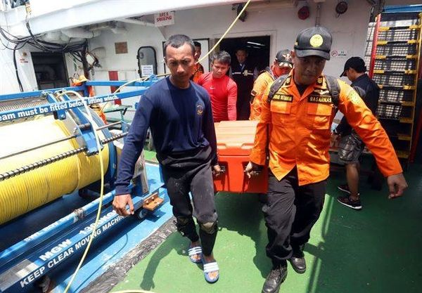 استخراج اطلاعات از جعبه سیاه هواپیمای سقوطکرده اندونزی