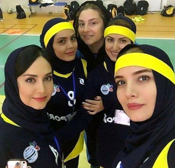 عکس از تیم فوتسال بازیگران زن ایران