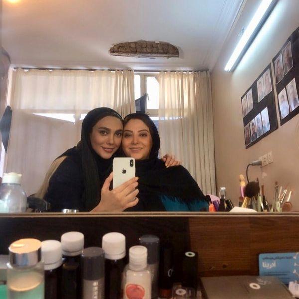 مریم سلطانی و خواهر جانش در اتاق گریم+عکس