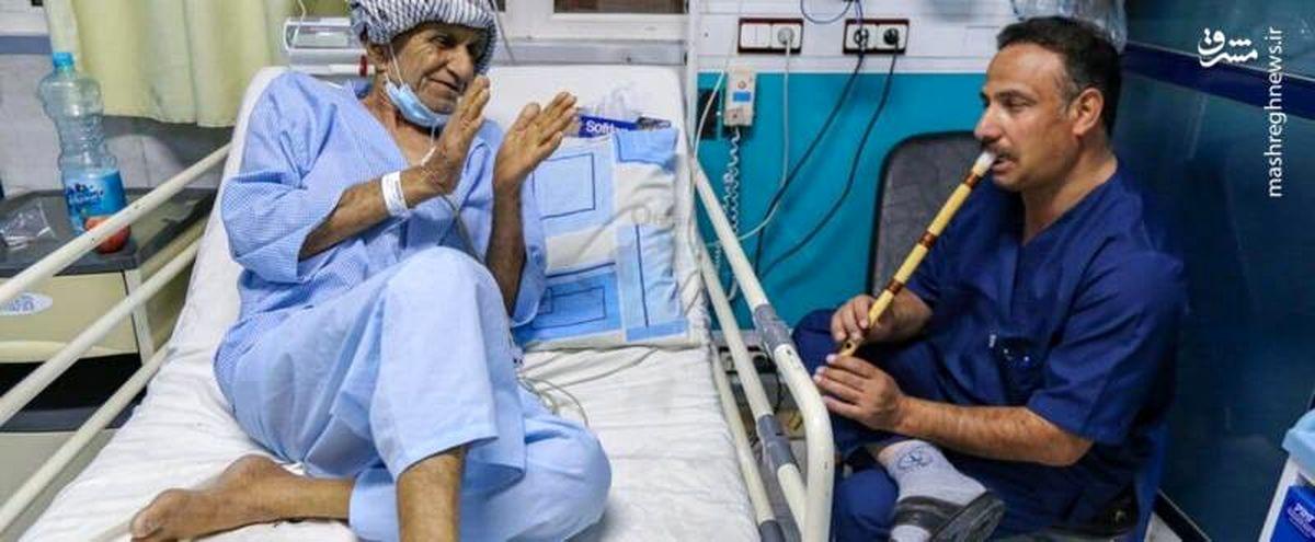 حرکت بسیار زیبای پرستار یزدی برای روحیه به بیماران + عکس