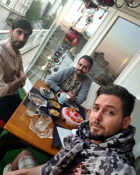 دانیال عبادی با دوستانش + عکس