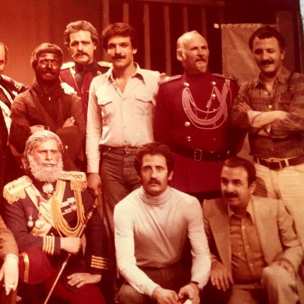 مجید مظفری در کنار دوستان دهه شسصتی اش + عکس