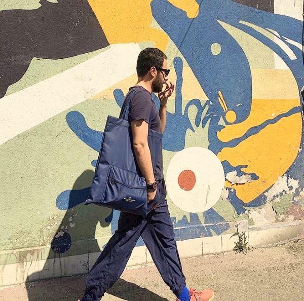 تیپ عجیب نوید محمدزاده در خیابان + عکس