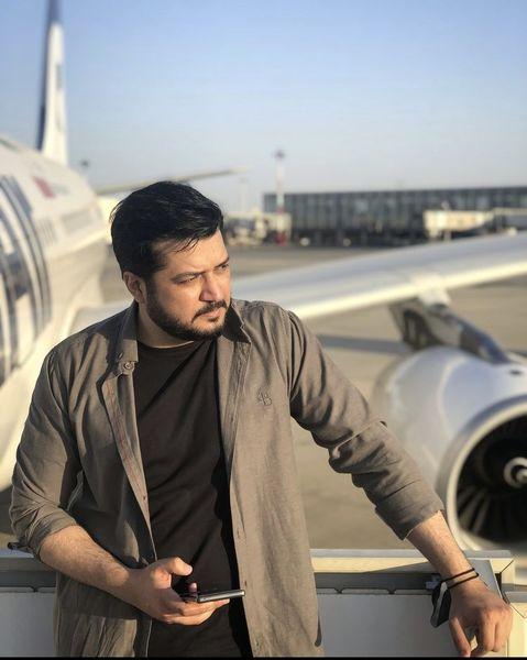 آقای بازیگر در کنار هواپیمای شخصی + عکس