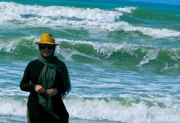 سفر آخر تابستانی خانم بازیگر لب دریا+عکس