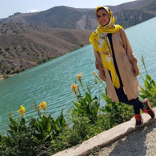 خانم کمدین در کنار دریاچه+عکس