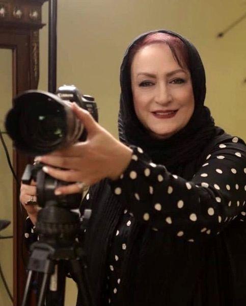 مریم امیرجلالی در حال عکاسی + عکس