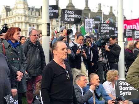 اعتراض به مشارکت نظامی انگلیس در جنگ سوریه ادامه دارد