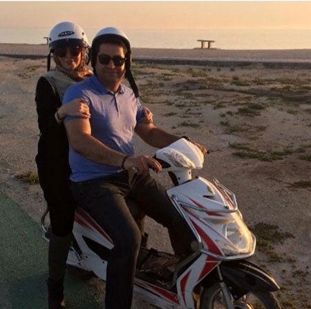 موتورسواری آزاده نامداری و همسرش + عکس