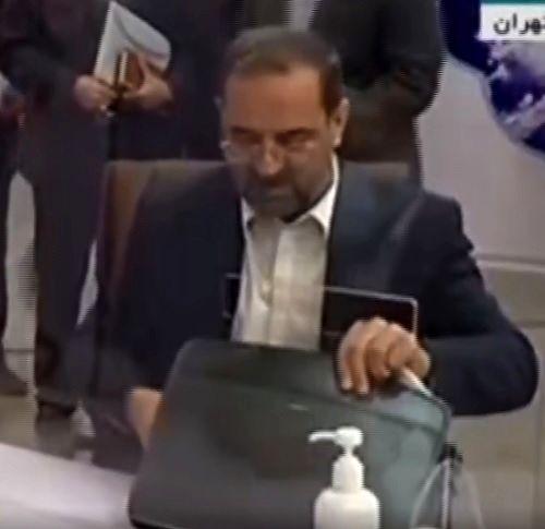 محمد عباسی در انتخابات ثبت نام کرد