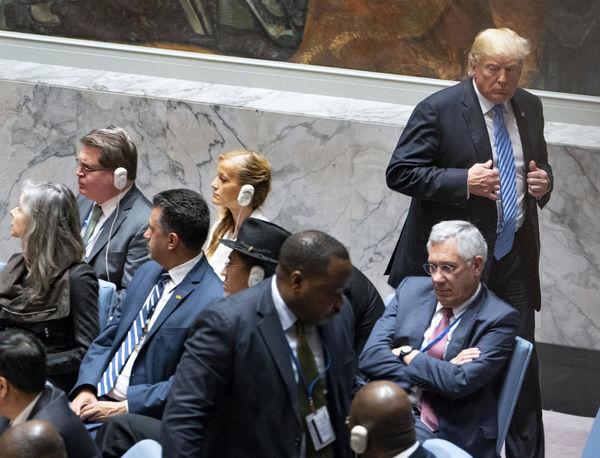 Image result for لحظه خروج ترامپ ازنشست شورای امنیت