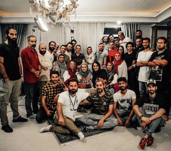 مینا وحید در جمع همکارانش + عکس