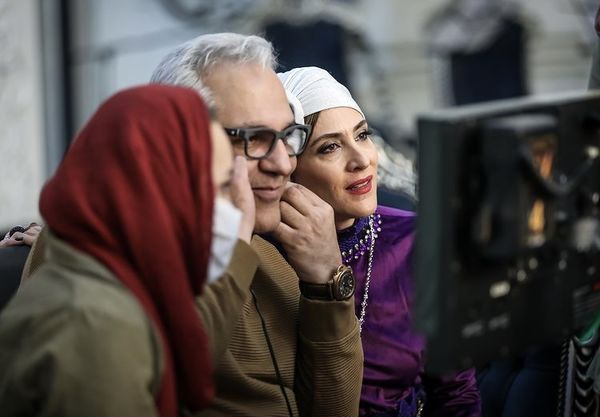 مهران مدیری و همسرش در پشت صحنه دراکولا + عکس